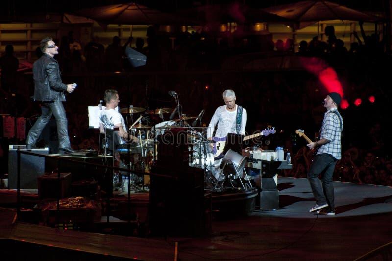 Viaje de U2 360° - viva en Turín imagen de archivo