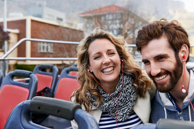 Viaje del autobús de la ciudad imagen de archivo