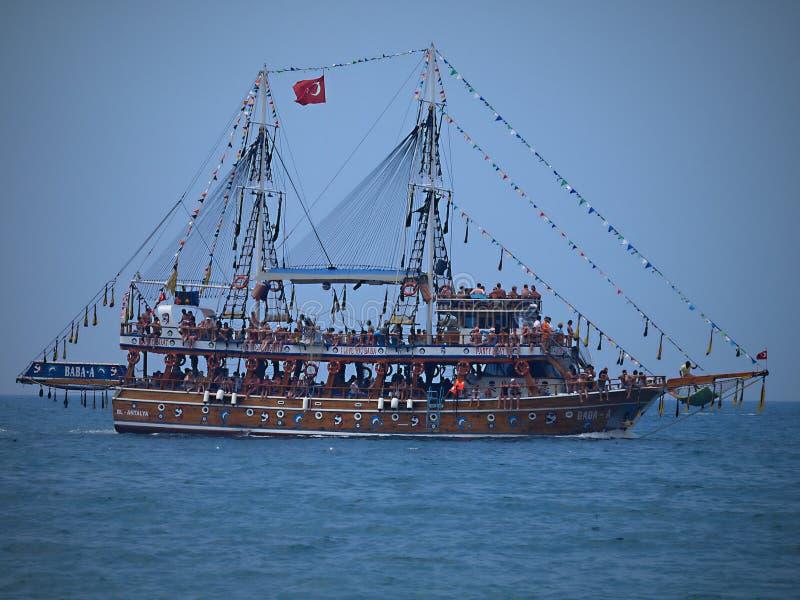 Viaje del barco de Alanya - riviera turca imagen de archivo libre de regalías