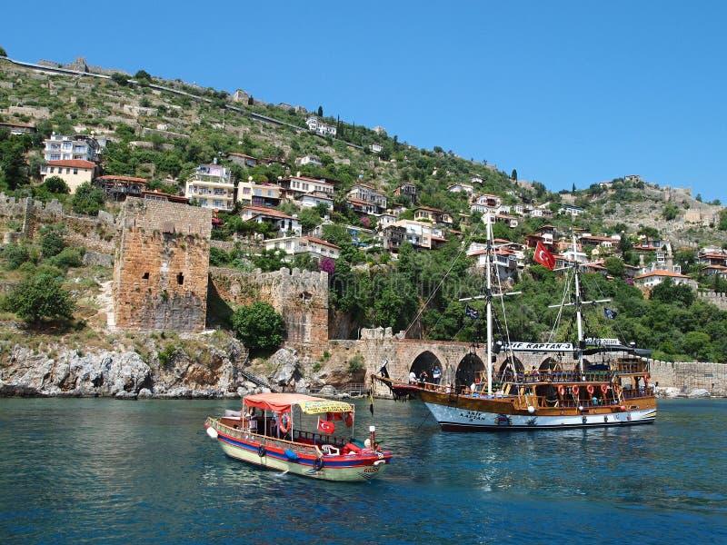 VIAJE del BARCO - las playas en la Riviera turca están entre las playas más agradables de Turquía foto de archivo