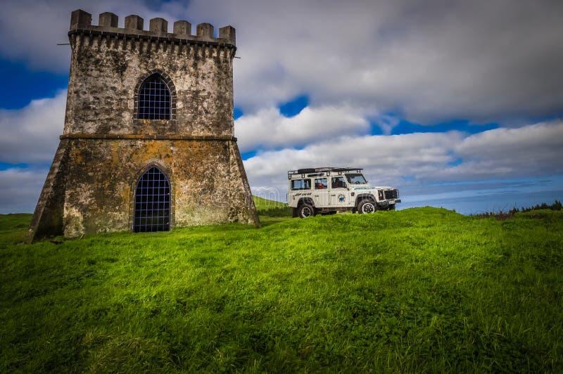 Viaje del jeep en las Azores imagen de archivo