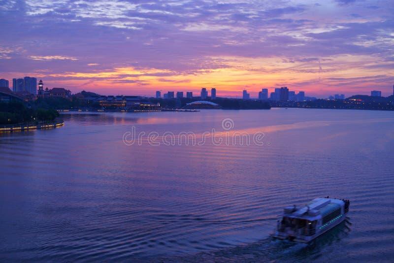 Viaje del lago en el lago putrajaya fotos de archivo libres de regalías
