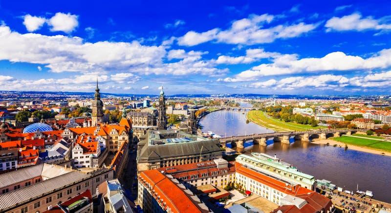 Viaje en Alemania - vista panorámica de Dresden hermosa foto de archivo