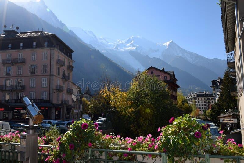 Viaje a Francia, la ciudad de Chamonix-Mont-Blanc imagen de archivo