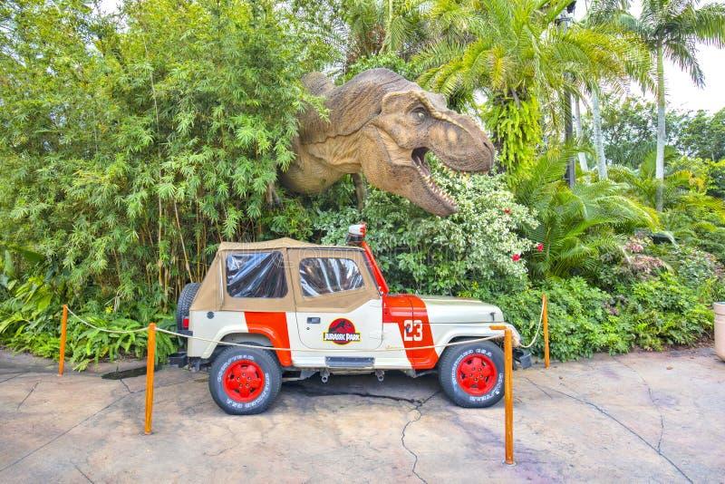 Viaje Jeep And TRex de Jurassic Park en las islas de la aventura fotos de archivo