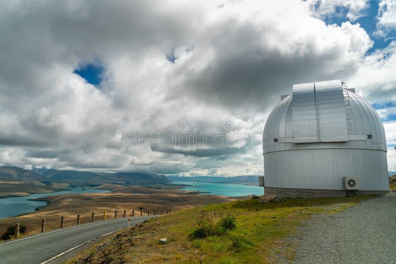 Viaje por carretera de Nueva Zelanda Soporte John University Observatory, y lago Tekapo Isla del sur Nueva Zelanda imágenes de archivo libres de regalías