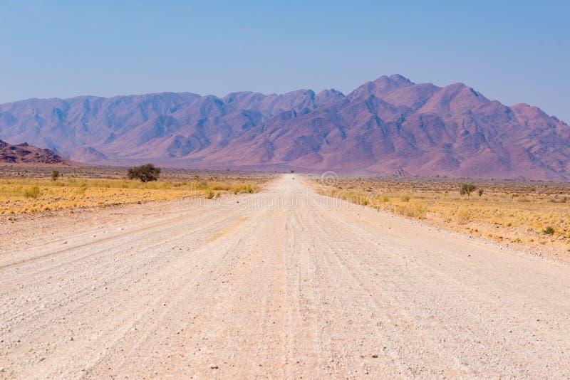 Viaje por carretera en el desierto de Namib, parque nacional de Namib Naukluft, destino del viaje en Namibia Aventuras del viaje  foto de archivo libre de regalías