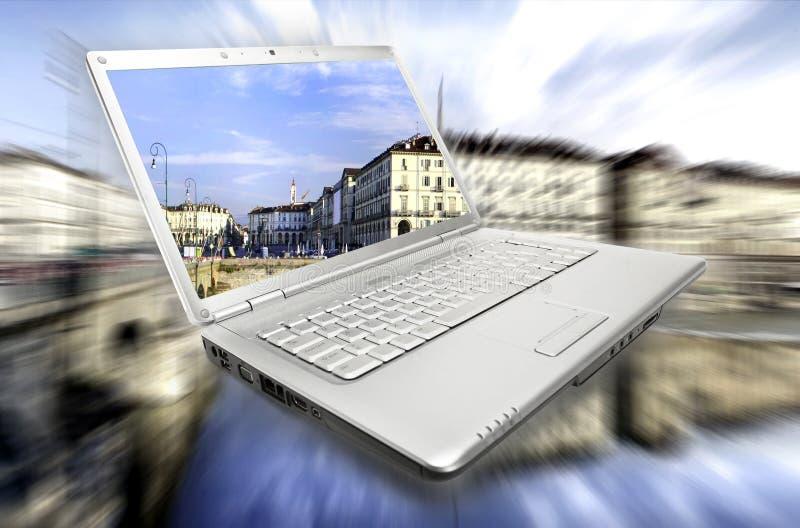 Viaje virtual de la computadora portátil imágenes de archivo libres de regalías