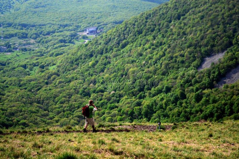 Viajero en la montaña Beshtau Pyatigorsk, Rusia imagen de archivo libre de regalías