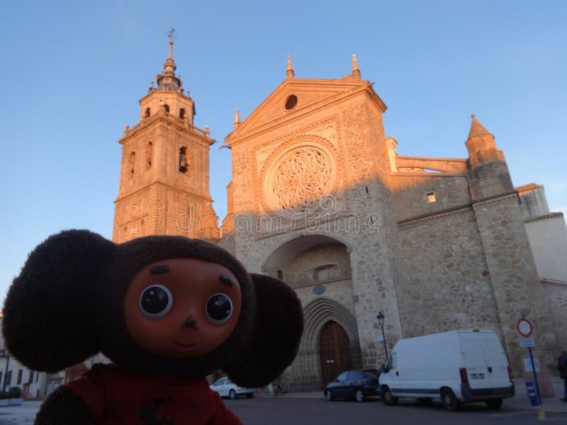 Viajes a través de España con Cheburashka fotos de archivo libres de regalías