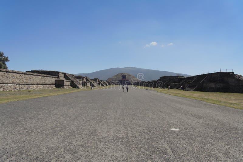Viale di Teotihuacan dei morti immagini stock libere da diritti