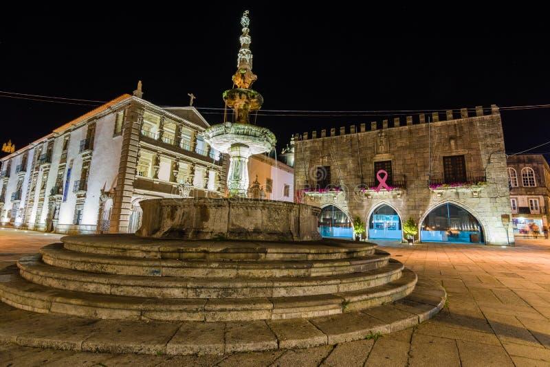 Viana Do Castelo centrum miasta przy nocą zdjęcia royalty free