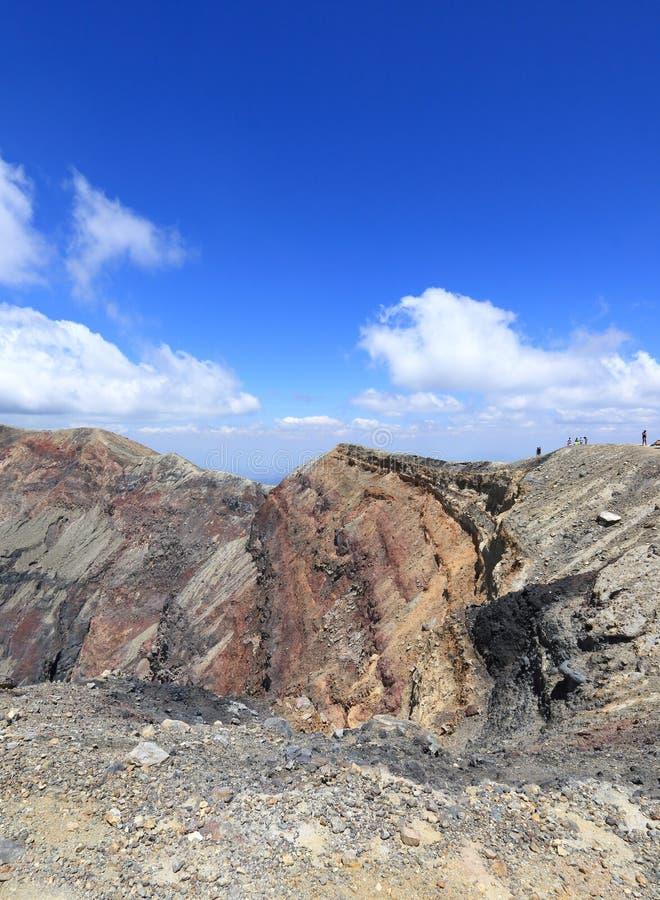 Viandanti sul vulcano di Santa Ana, El Salvador fotografia stock libera da diritti