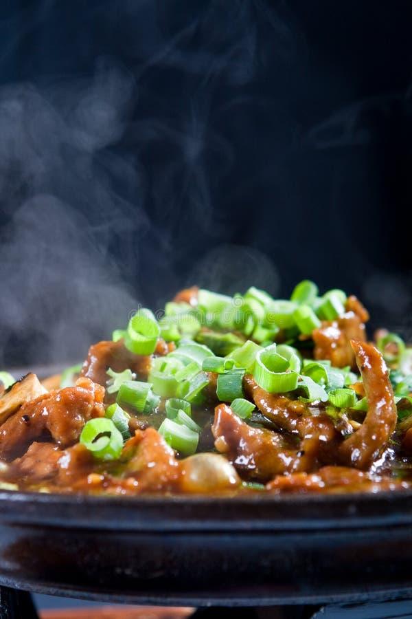 Download Viande image stock. Image du assiette, gril, oignon, nourriture - 8671499