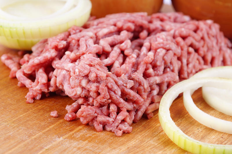 Viande crue hachée photo libre de droits