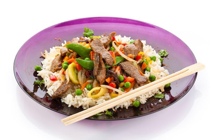 Viande, riz blanc et légumes rôtis image libre de droits