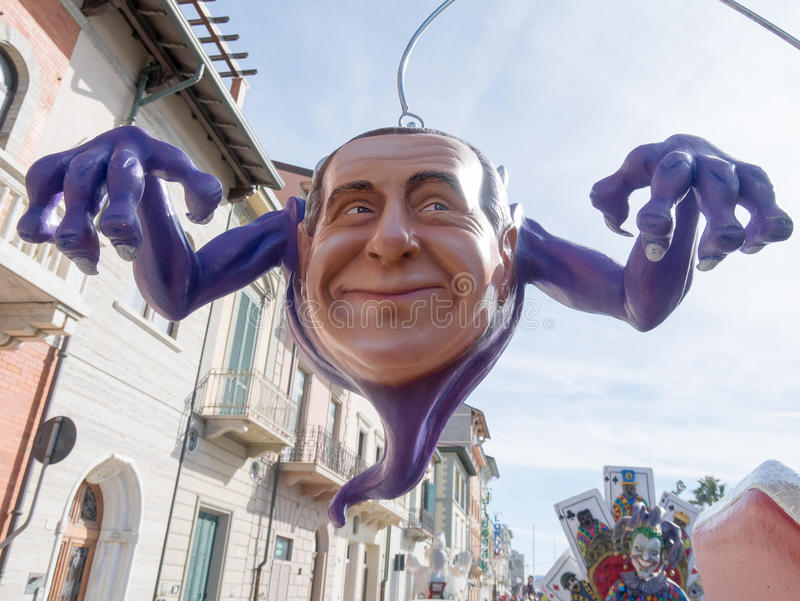 VIAREGGIO, ΙΤΑΛΙΑ - 26 Φεβρουαρίου: αλληγορικό επιπλέον σώμα σε Viareggi στοκ φωτογραφία