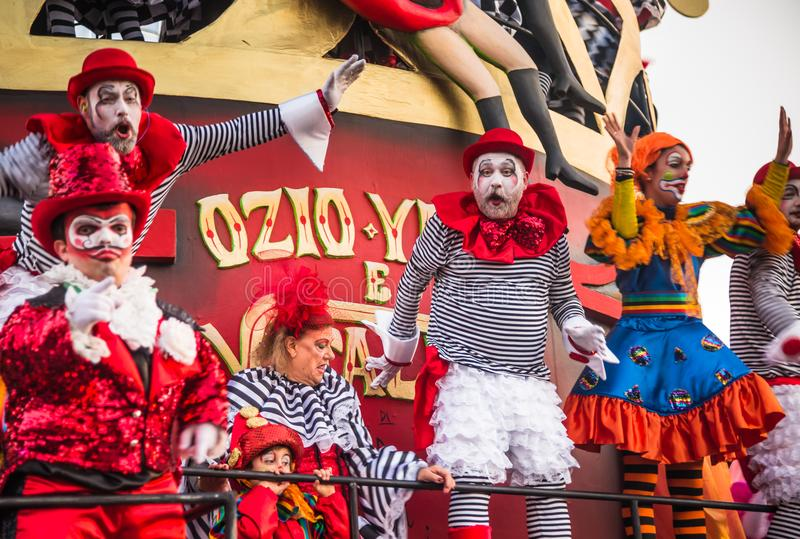 Viareggio het openen parade van de 145ste uitgave van Carnaval in Viareggio, Italië royalty-vrije stock foto