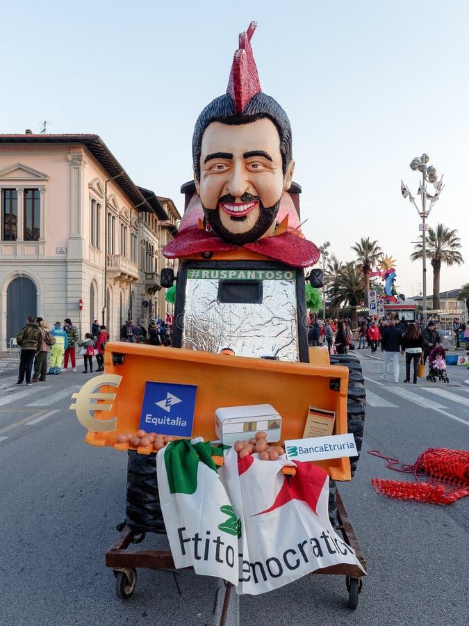 VIAREGGIO, ITÁLIA - 12 de março: flutuador alegórico em Viareggio C fotografia de stock royalty free