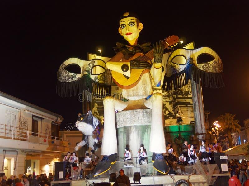 VIAREGGIO ITALIEN - mars 12: allegorical flöte på Viareggio C royaltyfria foton