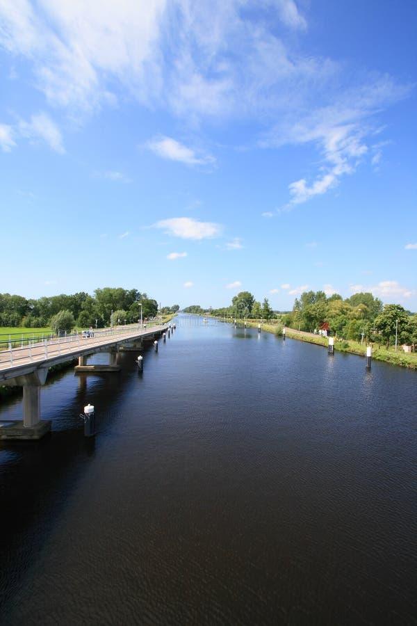 Vias navegáveis holandesas fotografia de stock