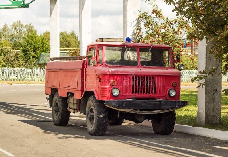Viatura de incêndio velha, raridade, corpo dos bombeiros fotos de stock royalty free