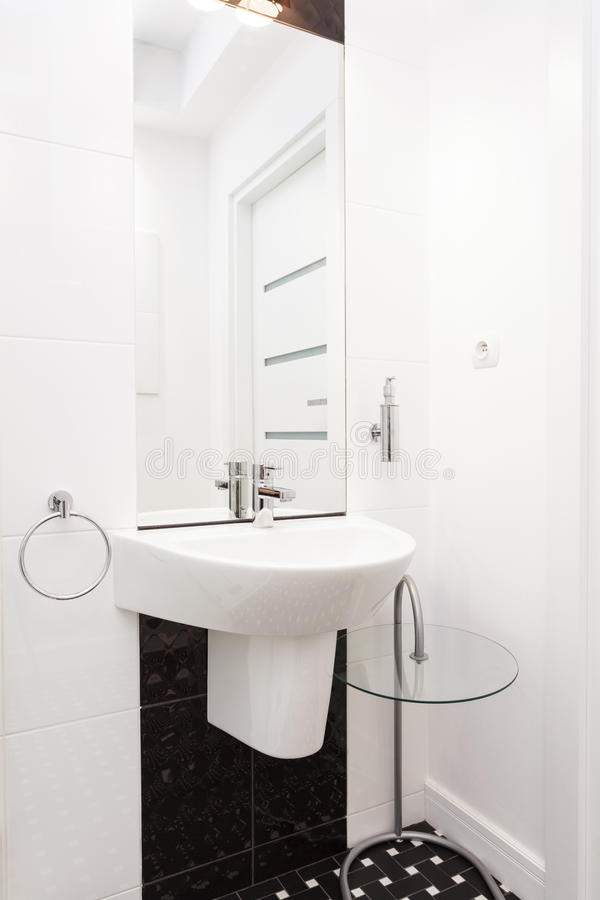 Vibrant cottage - Sink in a bathroom royalty free stock images
