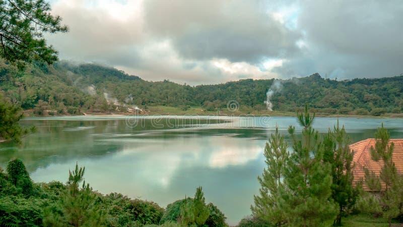 Vibrazioni fredde nel lago Linow immagini stock