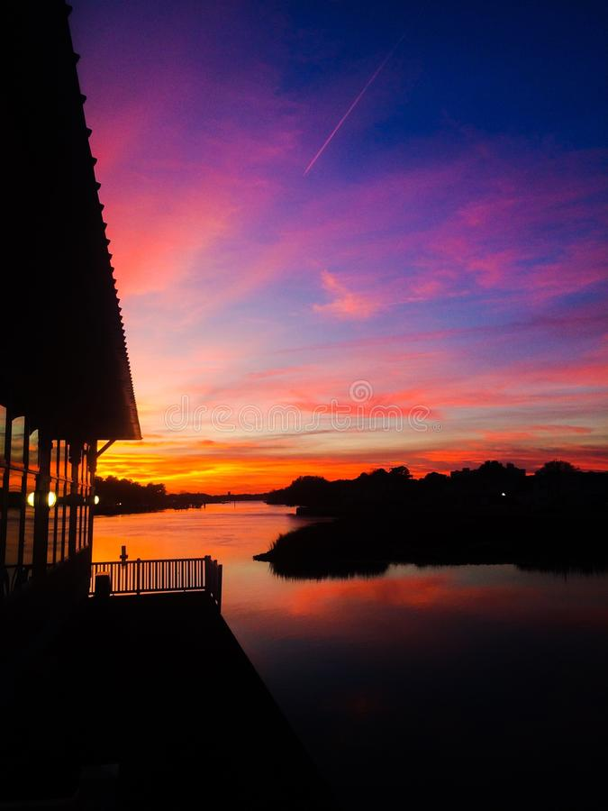 Vibrierender Sonnenuntergang stockfoto
