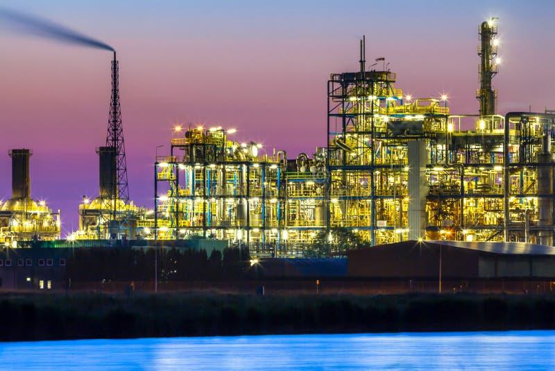 Vibrierendes farbiges industrielles chemisches Bereichsdetail stockbild