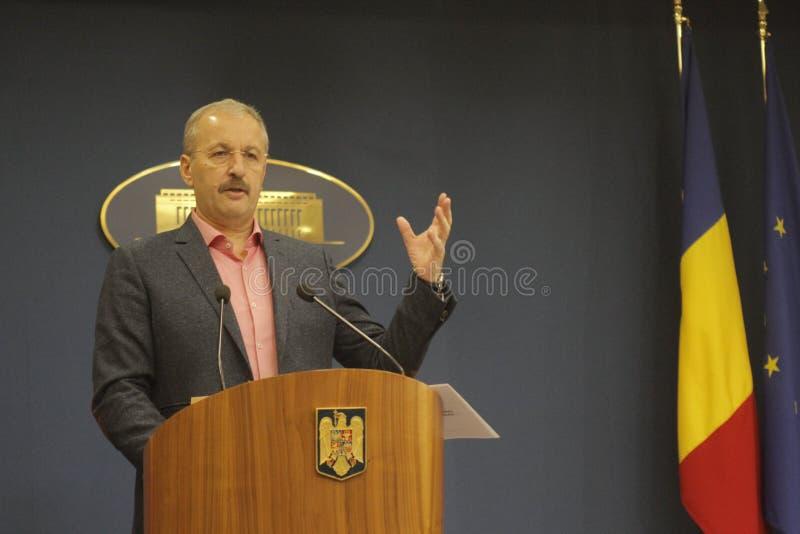 Vice-premier ministre roumain conférence de presse de Vasile Dincu image stock