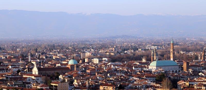 Vicenza, Italia, panorama della città e delle case del downt fotografie stock libere da diritti