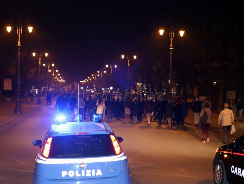 Vicenza, VI, Italië 15 die november, 2015, vele mensen binnen marcheren royalty-vrije stock afbeelding