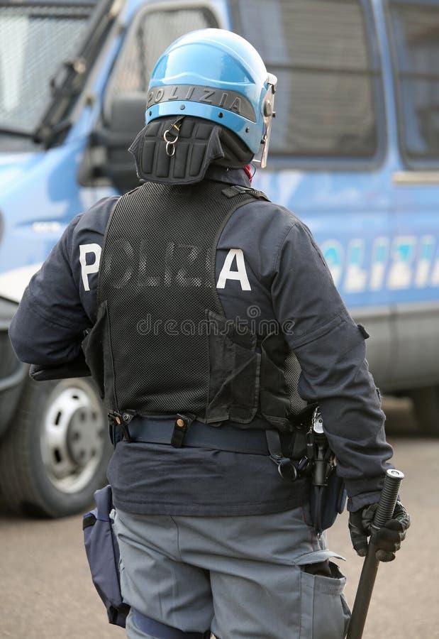 Vicenza, VI, Italien - 28. Januar 2017: Italienische Polizei randaliert Gruppe lizenzfreie stockfotografie