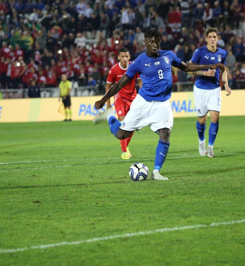 Vicenza VI, Italien - Oktober 15, 2018: Fotbollsmatch Italien vs Tunisien under 21 fotografering för bildbyråer