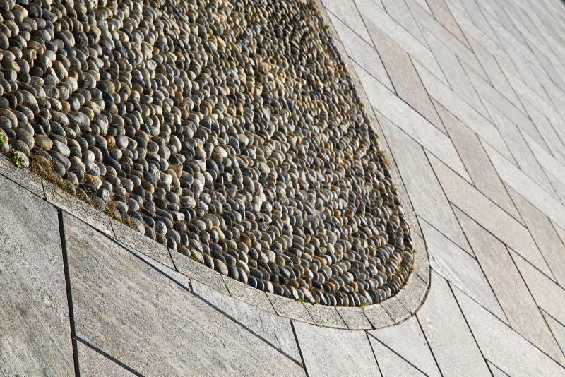 vicino alla pavimentazione dell'estratto dell'Italia Varese del mozzate di una chiesa e di w fotografie stock libere da diritti