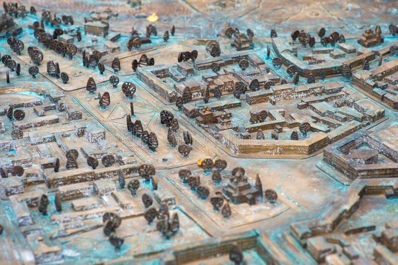 Vicino su: Vecchia mappa stradale tridimensionale immagini stock libere da diritti