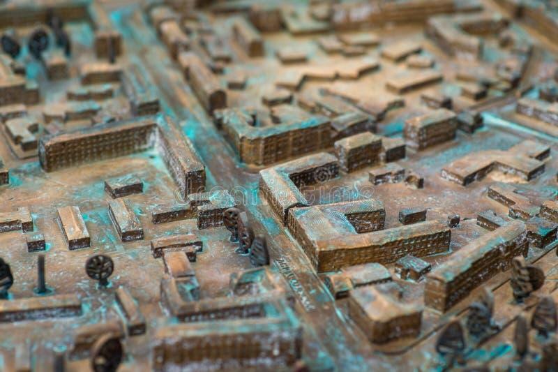 Vicino su: Vecchia mappa stradale tridimensionale fotografie stock