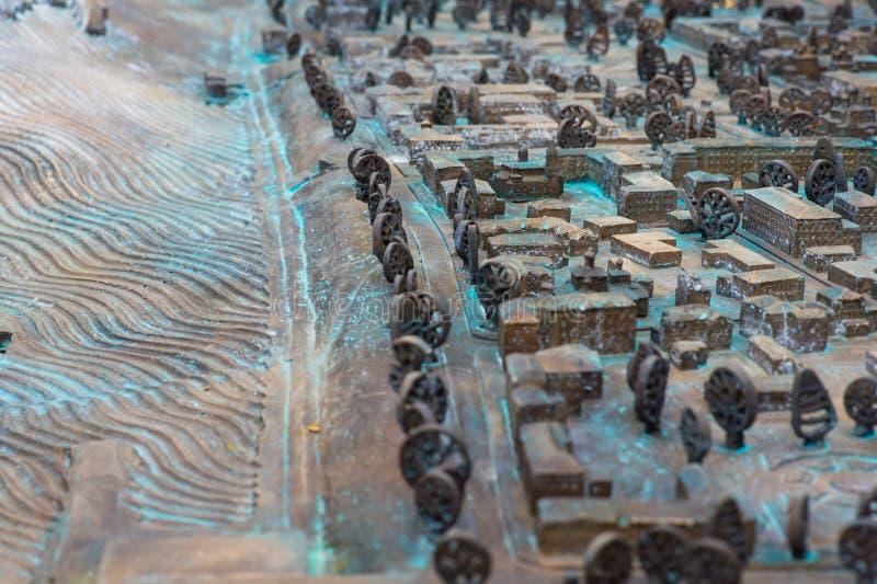 Vicino su: Vecchia mappa stradale tridimensionale immagini stock