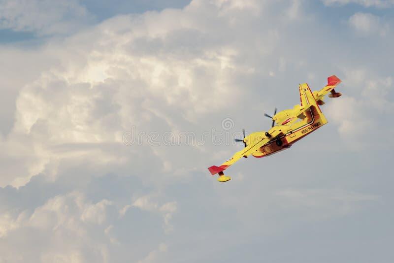 Vicking-Luft 415 Superscoopers lizenzfreies stockfoto