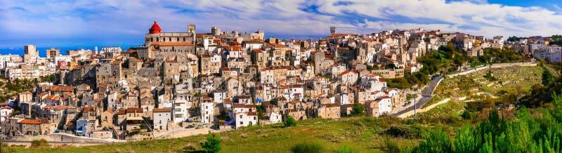 Vico del Gargano - un du borgo de villages le plus beau de images libres de droits