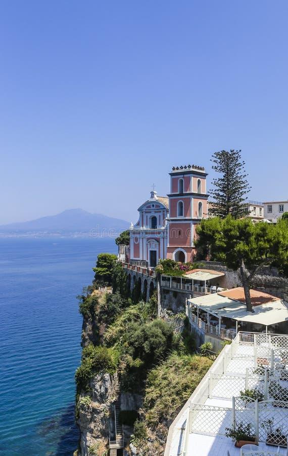 Vico Equense Italy Ostentar do hotel Chiesa di Santissima do La fotos de stock royalty free