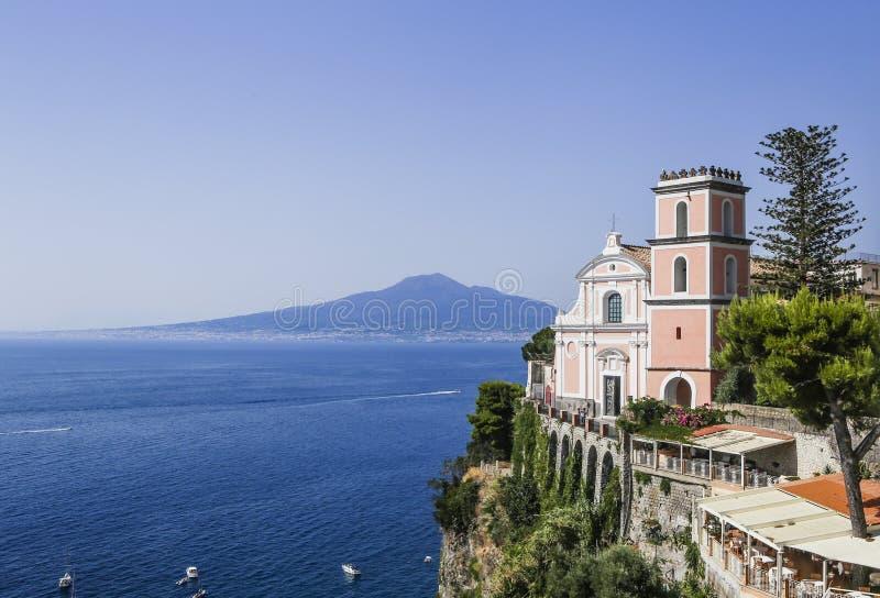 Vico Equense Italy Ostentar do hotel Chiesa di Santissima do La fotos de stock