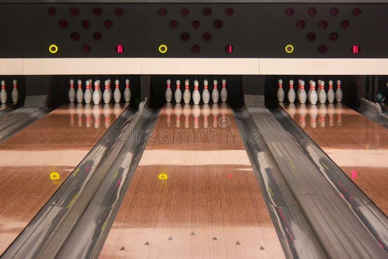 vicoli di bowling del Dieci-perno fotografia stock libera da diritti