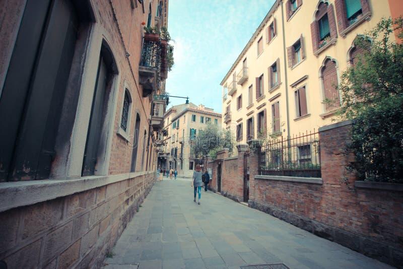 Vicoli di Venezia nel giorno immagini stock libere da diritti