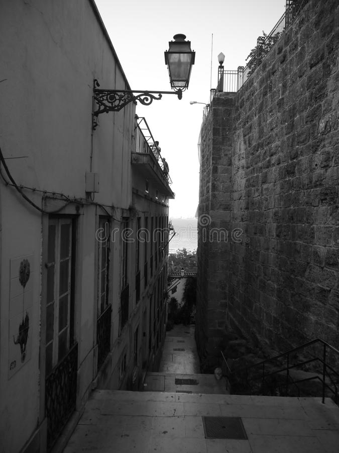 Vicolo a Alfama - Lisbona fotografia stock