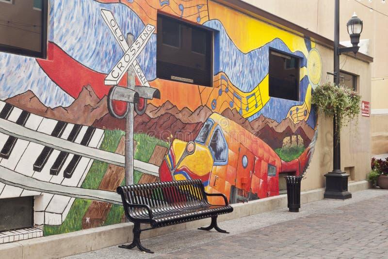 Vicolo con un murale in Fort Collins fotografie stock libere da diritti