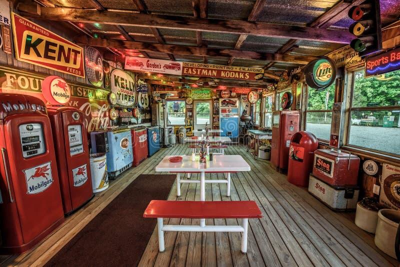 Vicolo della benzina di Bob sull'itinerario storico 66 nel Missouri immagini stock