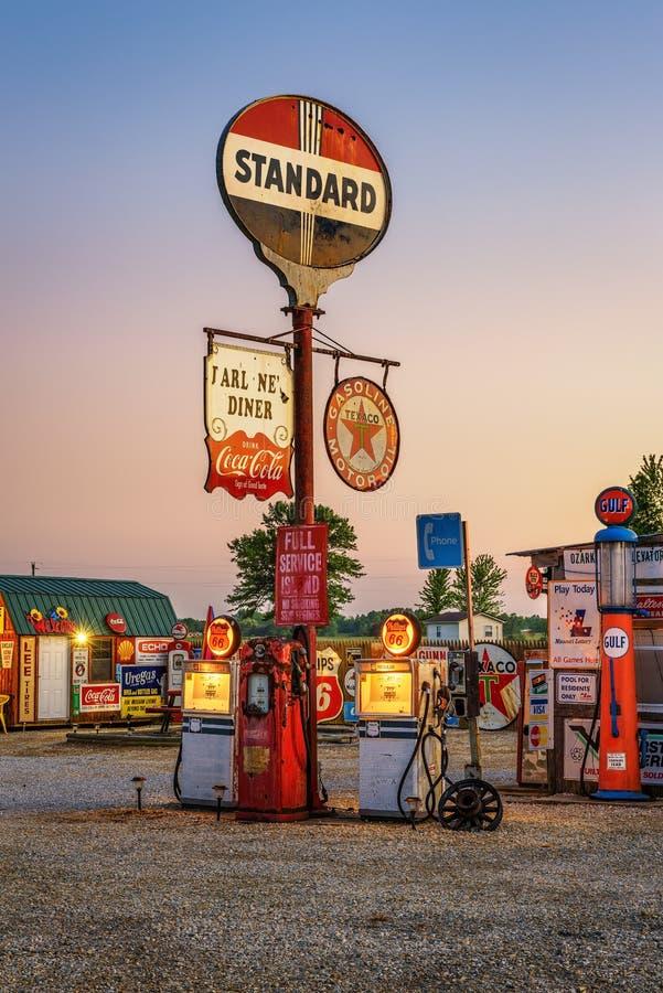 Vicolo della benzina di Bob sull'itinerario storico 66 nel Missouri fotografie stock