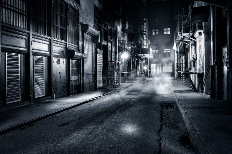 Vicolo di Cortlandt di notte in NYC immagine stock libera da diritti